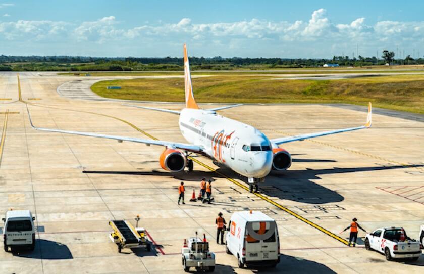 Gol, airline, Montevideo, airport, Uruguay, Brazil, LatAm, plane, 575
