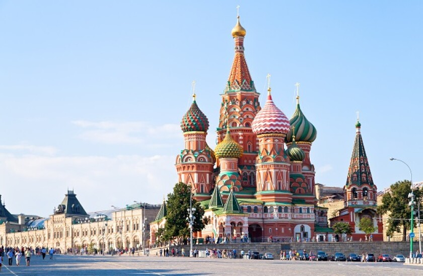 Moscow_red_square_Adobe_575x375