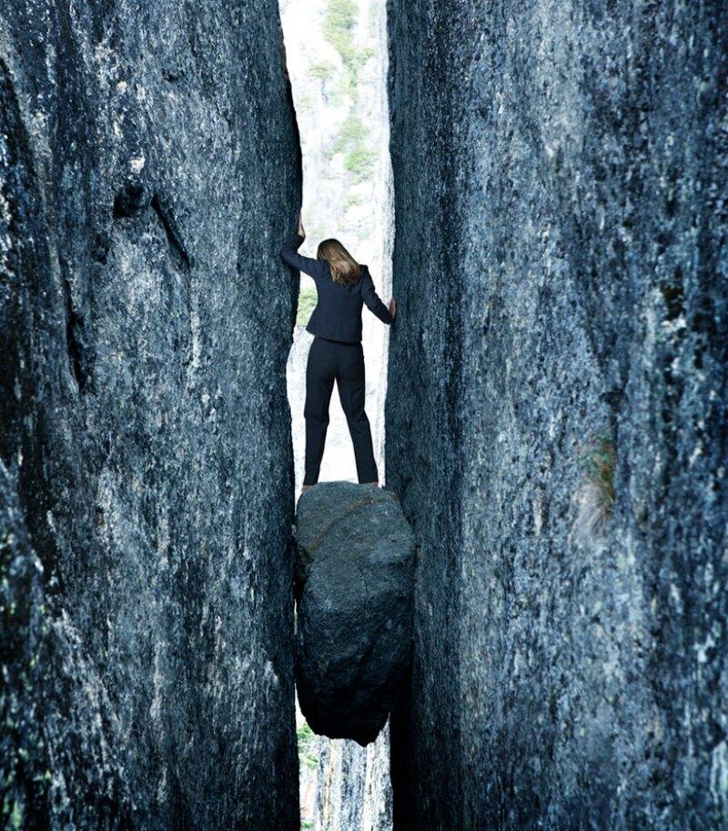 rock-hard-place-businesswoman-sme-istock-780.jpg