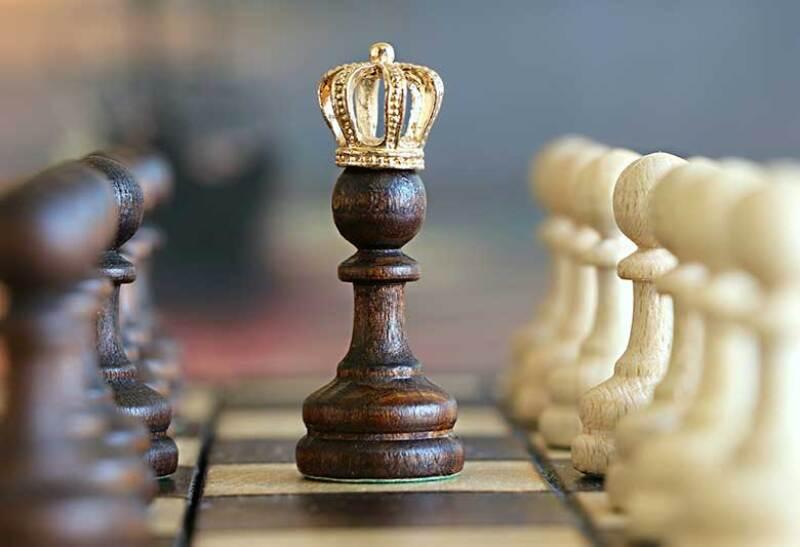 chess-pawn-king-780