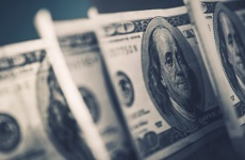 Dollars_US_Fotolia_230x150