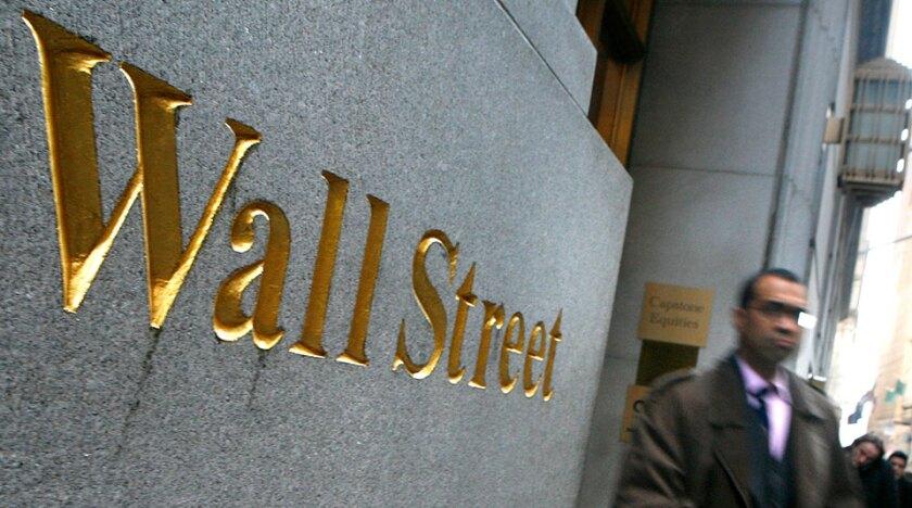 Wall-Street-pedestrian-Reuters-960x535.jpg
