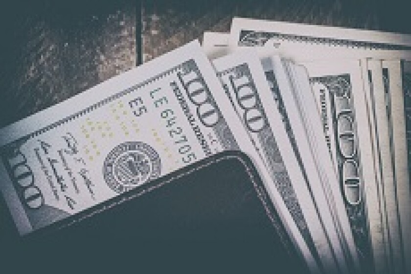 Dollar_wallet_Fotolia_230x150