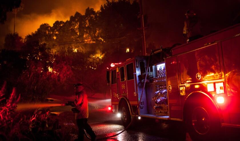 woolsey-fire-pa-39616867.jpg