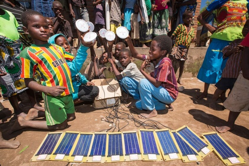 Solar Africa Malawi panels transition from Alamy 29Apr21 575x375