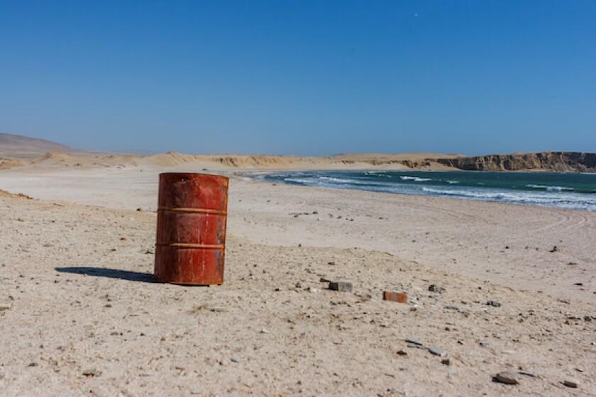 Peru, Paracas, oil, barrel, sea, beach, alone, abandoned, LatAm, 575