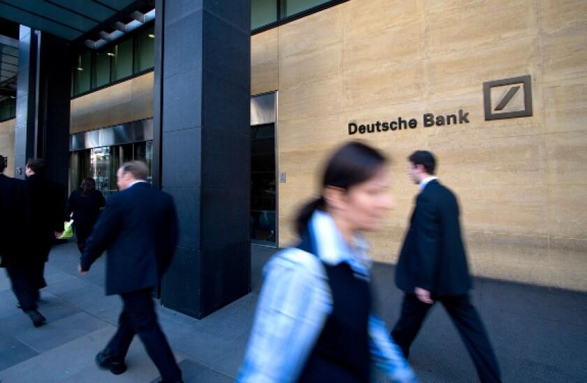 alamy 2021-05-25 deutsche bank london 575x375