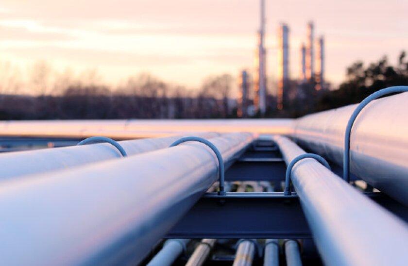 oil pipeline_adobe_12May_575