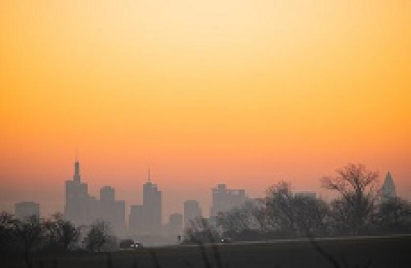 Frankfurt_skyline_PA_230x150