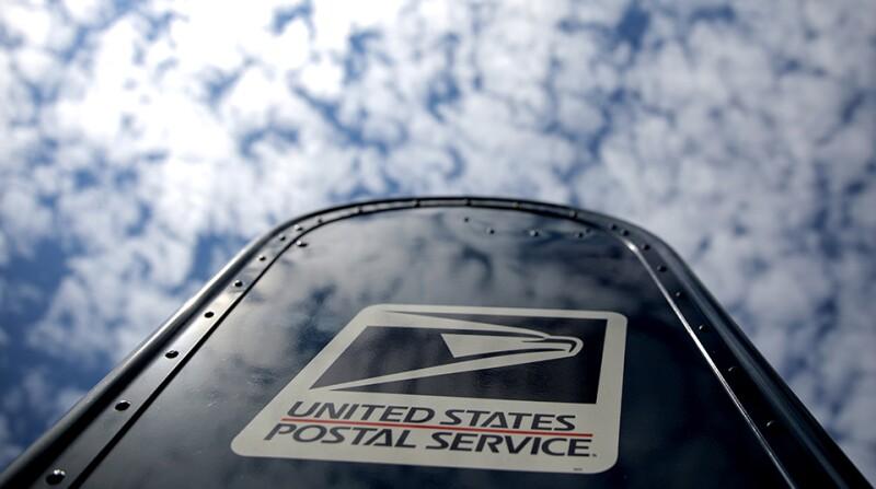US-postal-service-post-box-sky-R-960.jpg