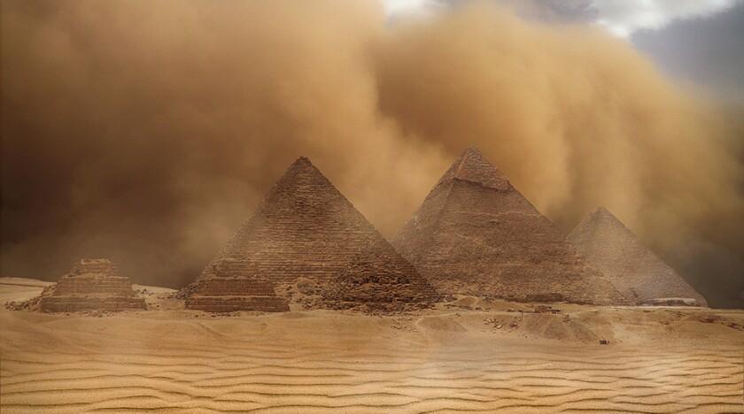 desert-pyramids storm_960.jpg