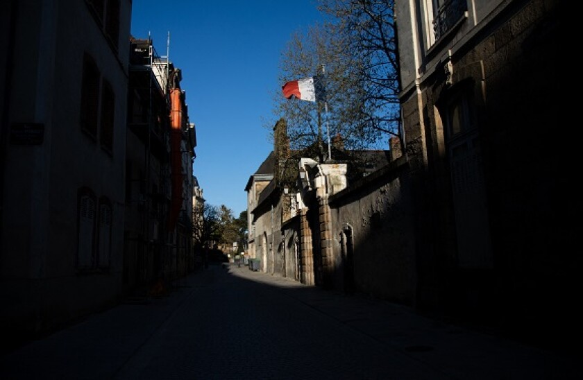 French_flag_Rennes_PA_575x375_310320