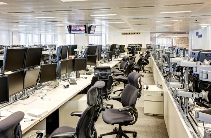 alamy 2021-07-08 empty office 575x375