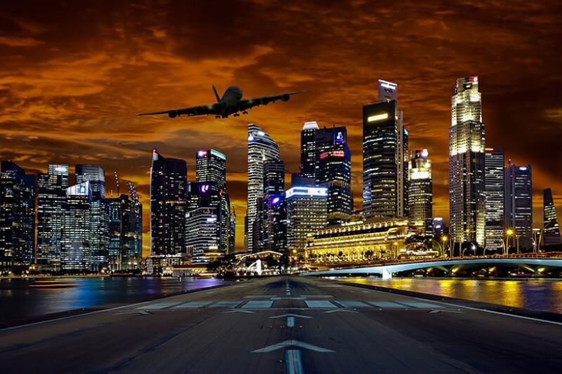 Singapore-skyline-areoplane-runway-780.jpg