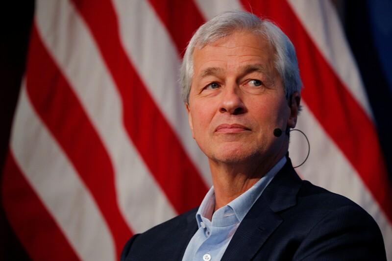 Jamie-Dimon-JPM-US-flag-Reuters-960.jpg
