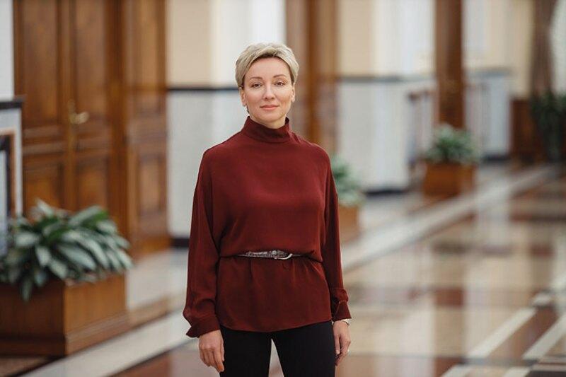 Olga-Skorobogatova-standing-Russia-CB-780.jpg