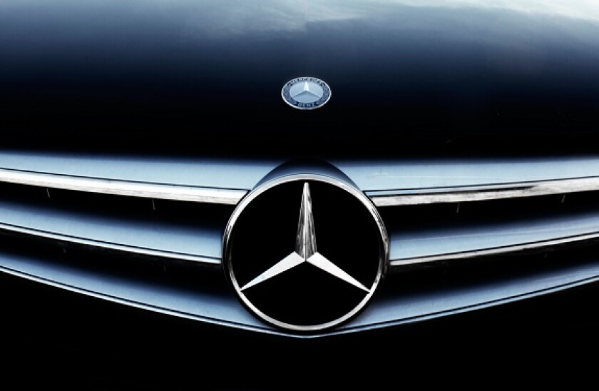 Daimler_mercedes_logo_car_alamy_575x375_May6.jpg