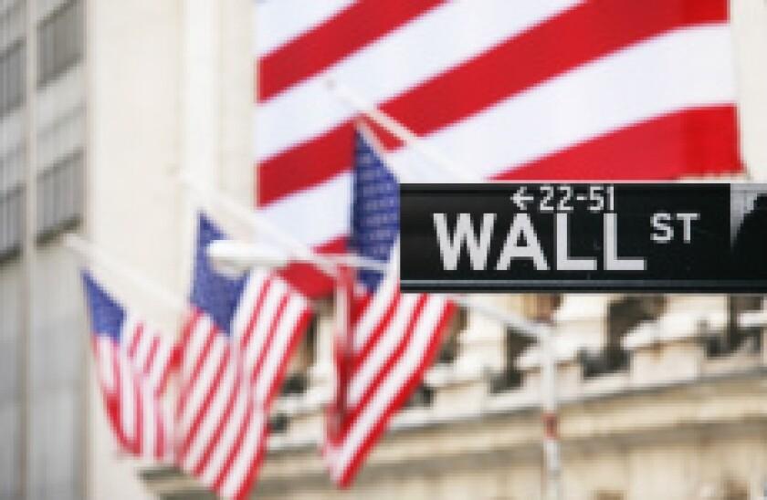 Wall Street Star Spangled Banner Fotolia 230x150