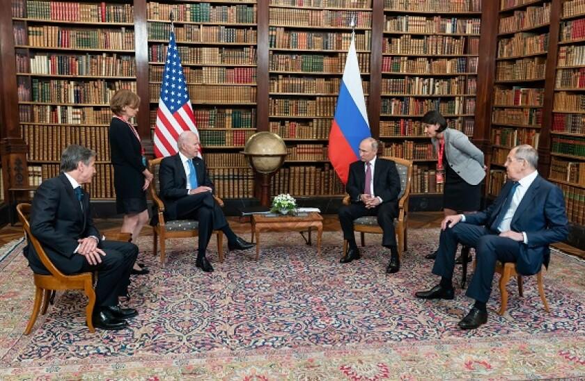 Biden_Putin_June2021_alamy_575_375