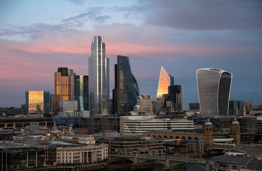 City_of_London__2021_alamy_575_375