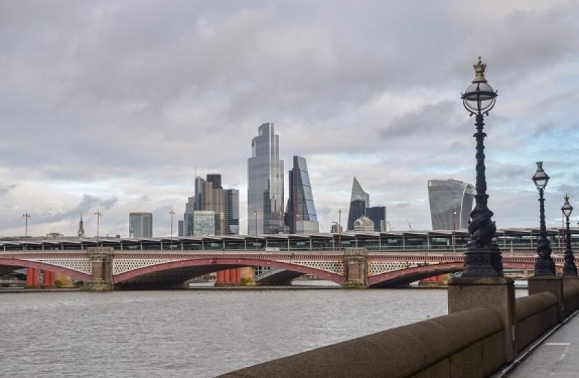 London_skyline_3_PA_575_375