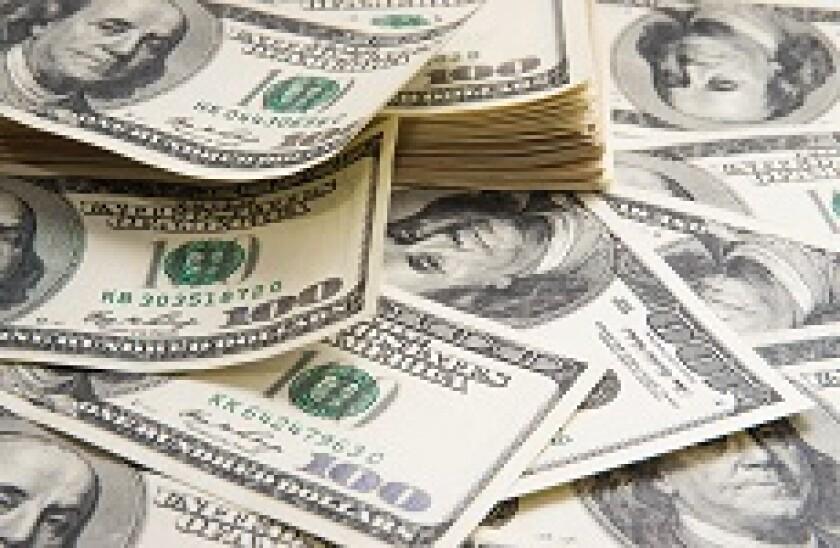 Dollars_spread_Fotolia_230x150