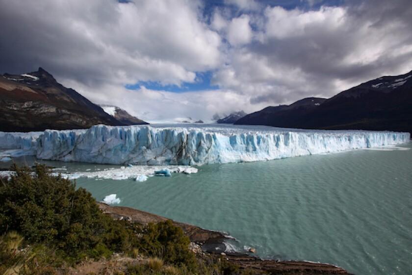 Argentina, waterfall, brink, tension, LatAm, 575