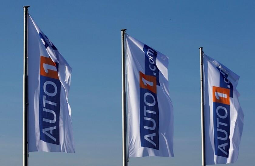 AUTO1_flags_alamy_575x375_June2.jpg
