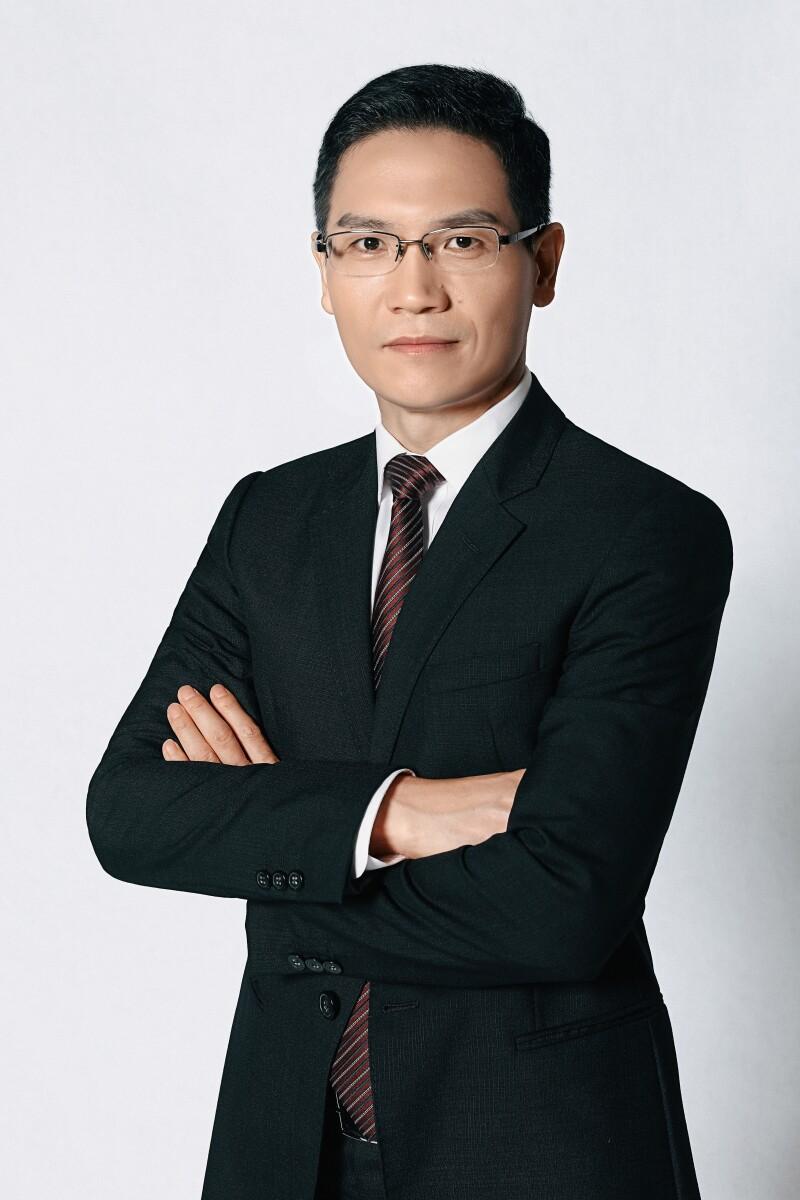 Hou Weirong, CMB.jpg
