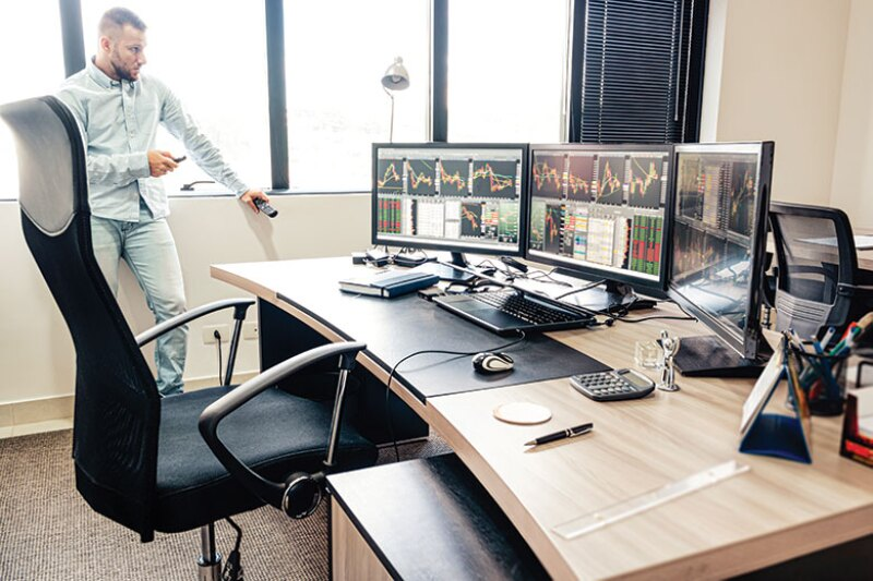 desk-working-from-home-istock-780.jpg