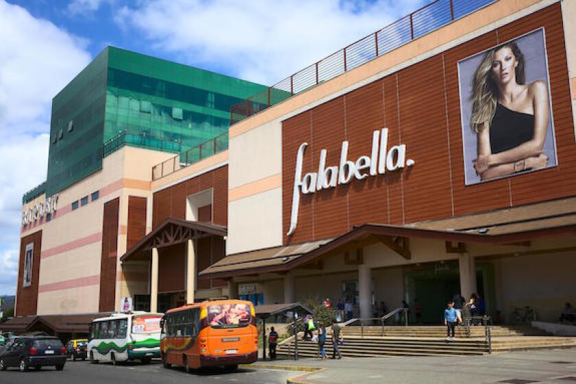 Falabella, Chile, Valdivia, department store, retail, 575