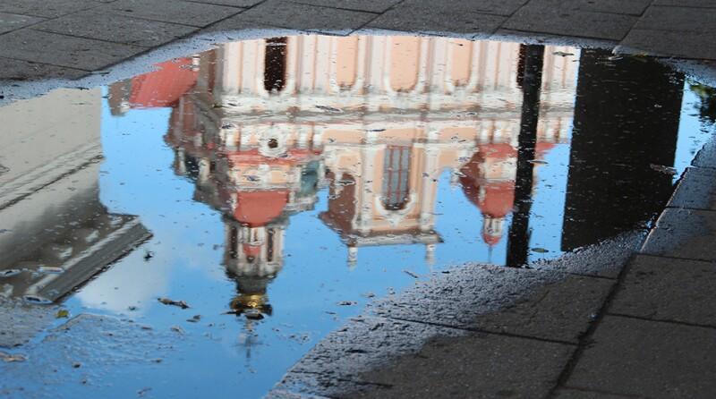 vilnius-mirror-lithuania-960x535.jpg