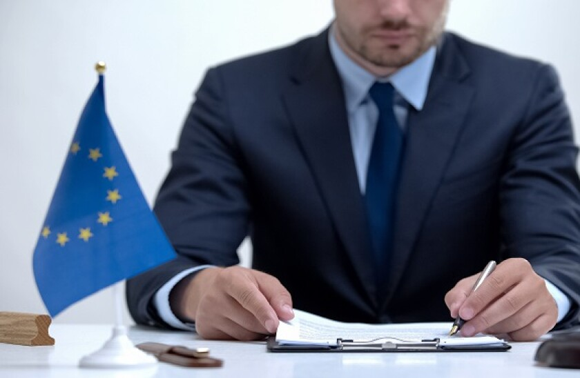 EU_rules_pen_book_575x375_PA_070920
