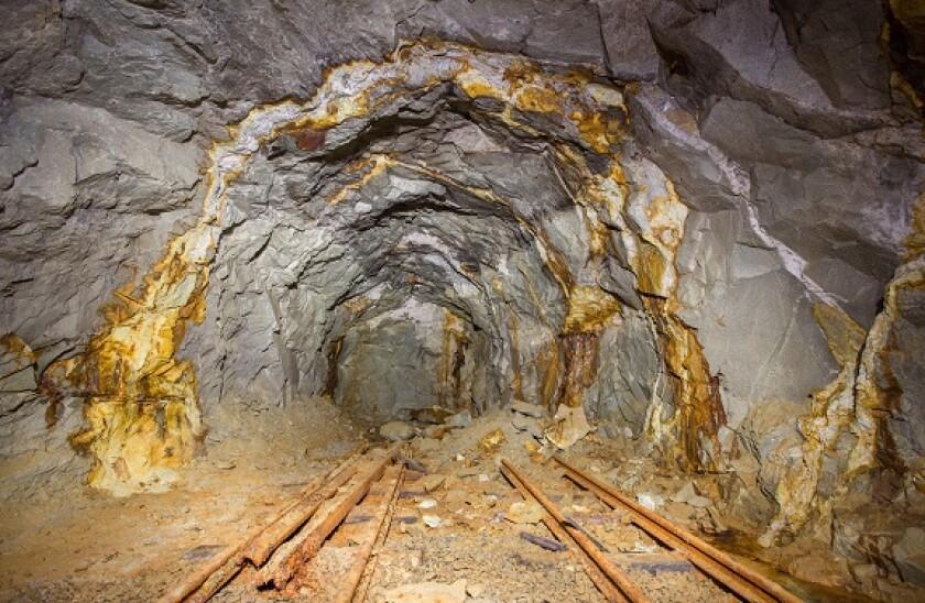 AdobeStock_gold_mining_575x375_31March2021