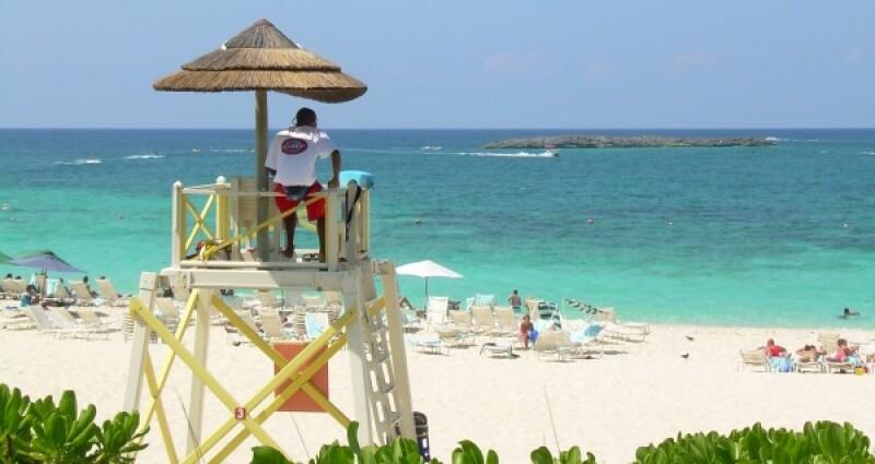 Bahamas lifesaver risk-600