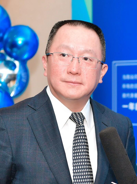 Liu Jialong,  CMB.jpg