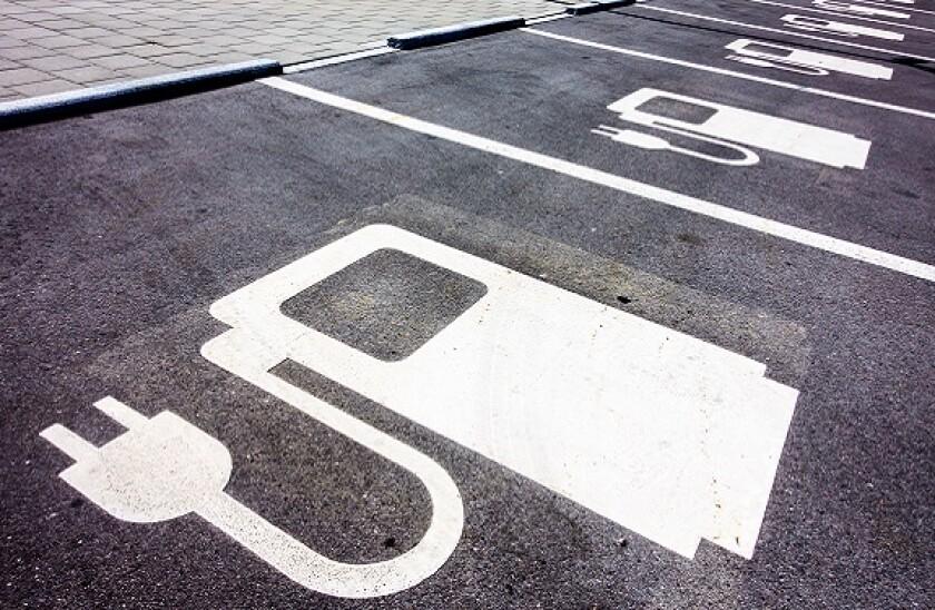 charging electric cars_adobe_575px_3Jun21