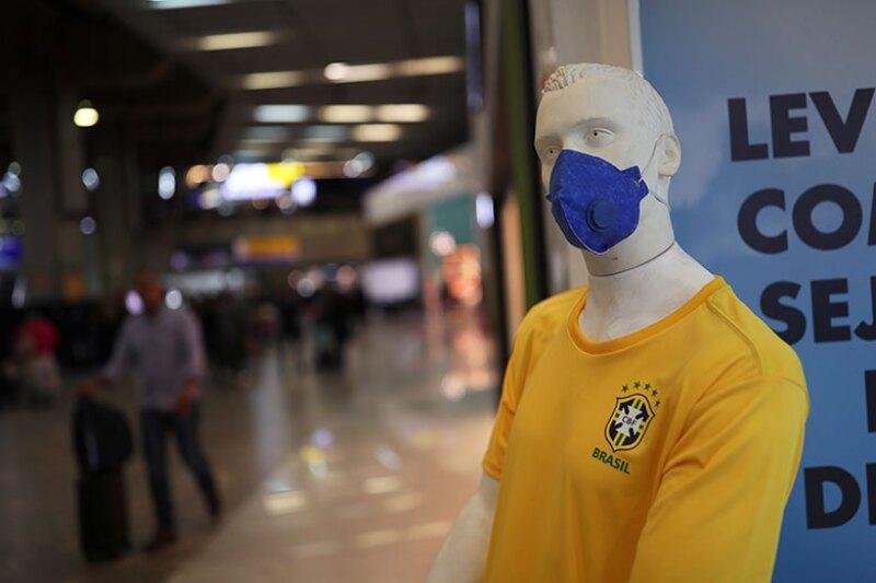 Brazil-mask-coronavirus-mannequin-780.jpg