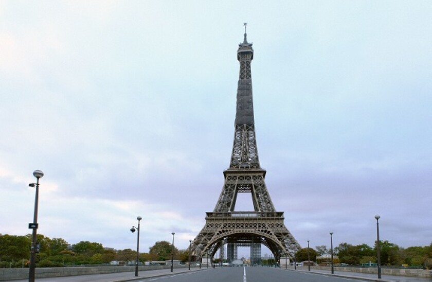 Paris_deserted_lockdown_covid_PA_575x375_Oct30
