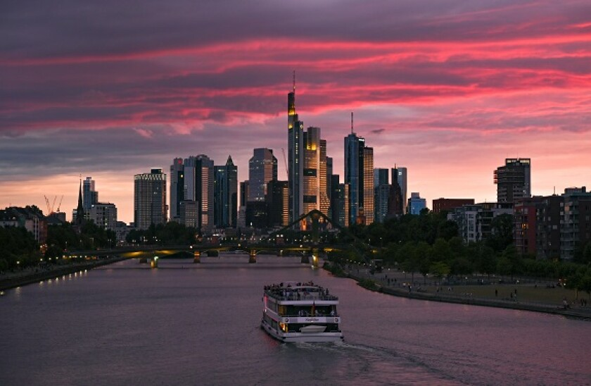 Frankfurt_Am_Main_PA_575_375