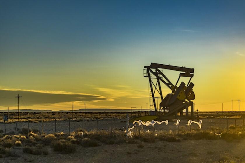 Adobe, Santa Cruz, Oil, Argentina, Energy, CGC, LatAm, 575