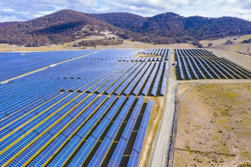 Solar power farm Australia from Adobe 29May20 575x375
