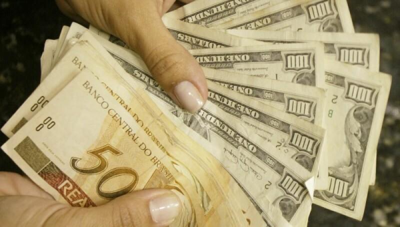 Brazil real dollar-R-600