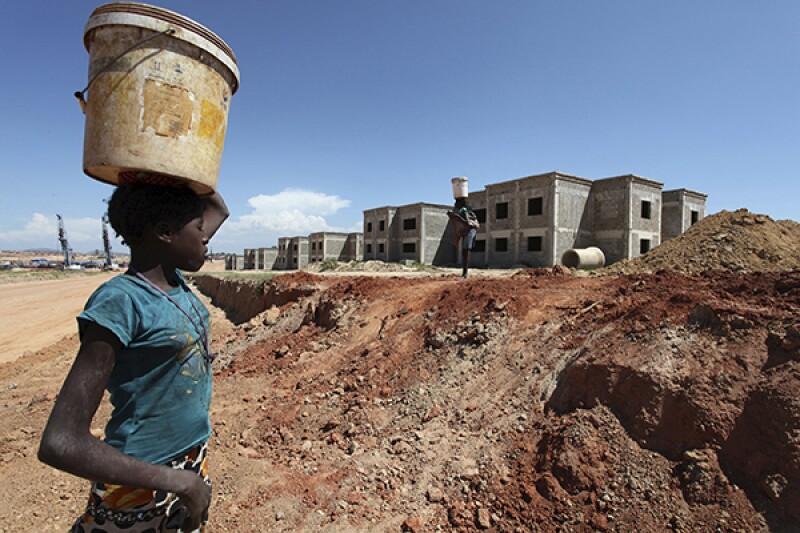 Chinese_construction_Lubango_angola_600