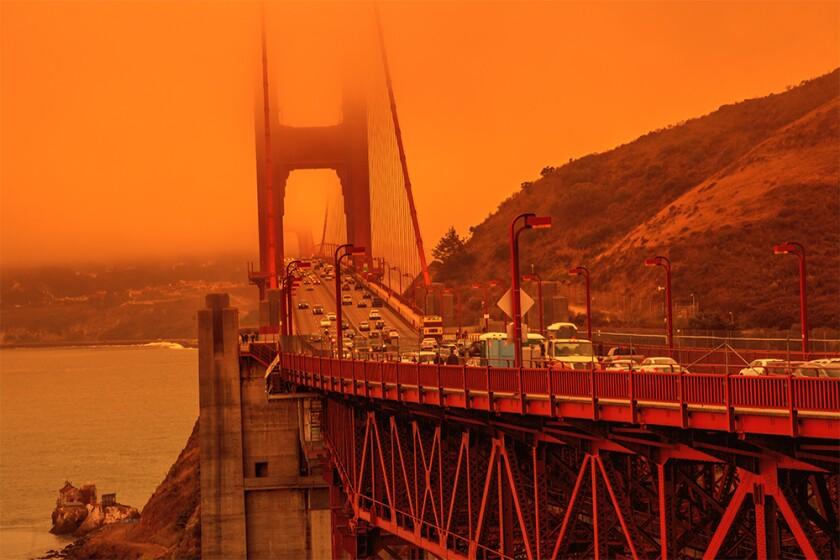 Golden Gate bridge california fires.jpg