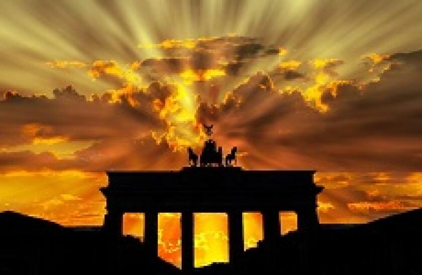 brandenburg gate dawn 230px