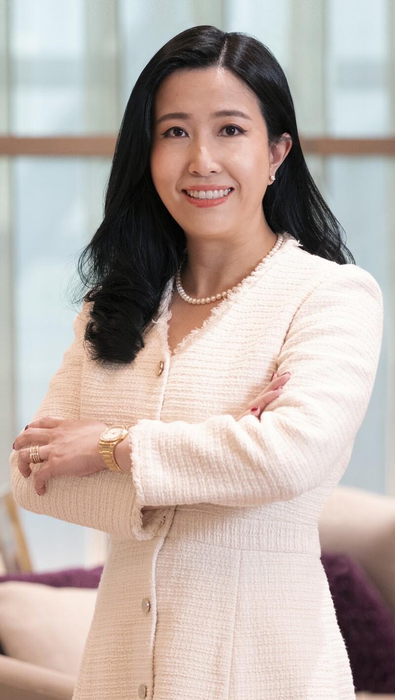Metinee Jongsaliswang, First EVP, Head of Private Banking, Siam Commercial Bank.jpg