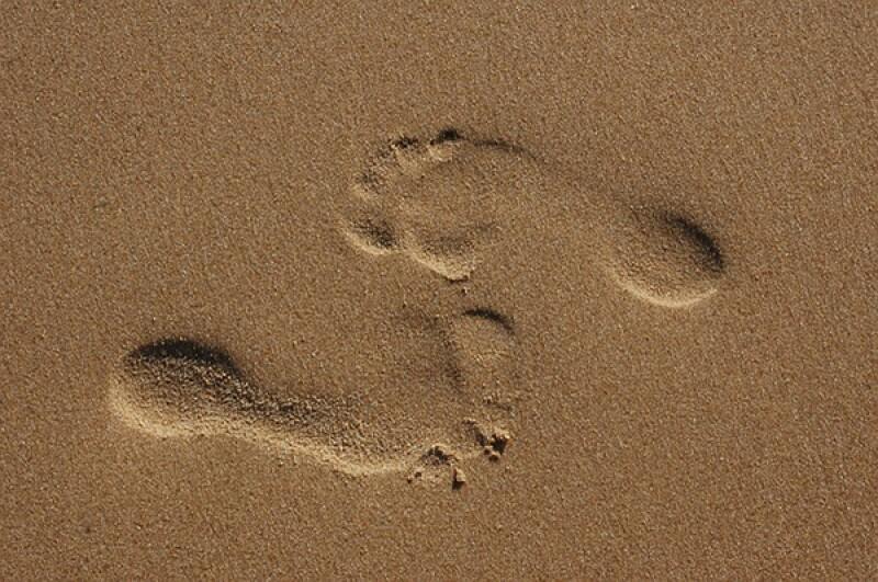 sand footprint opposite-600