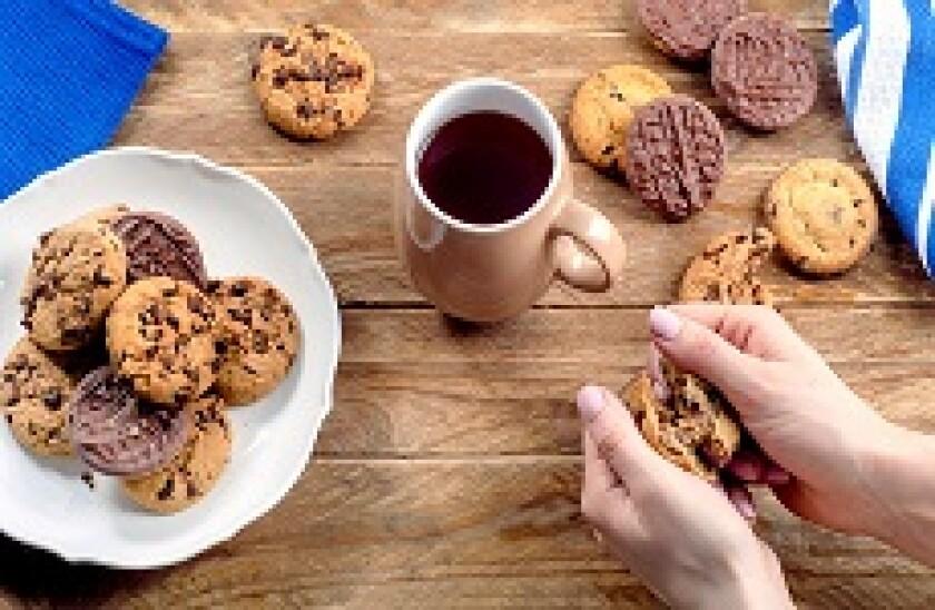 Biscuits_cookies_coffee_tea_Fotolia_230x150