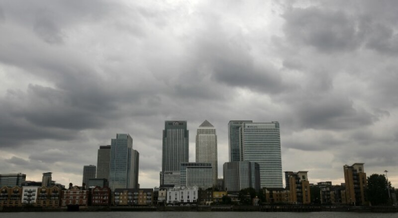 Canary Wharf storm coming-R-600